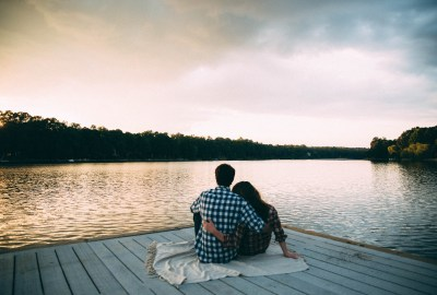 Dealing with the Distance- Long Distance Relationships