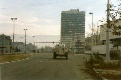 Avenida de los Francotiradores en diciembre de 1995.