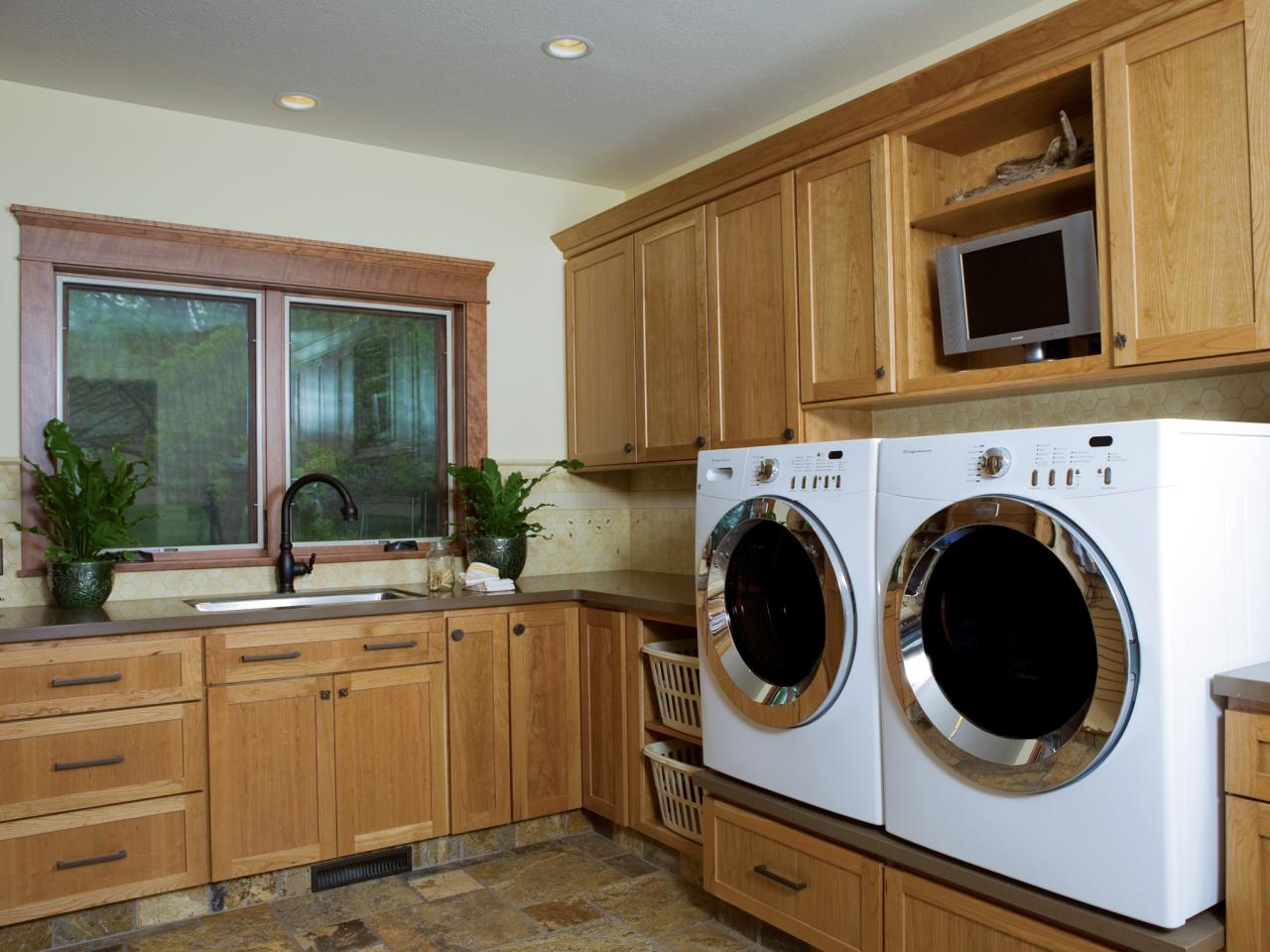 Things To Consider When Designing A Laundry Room on Laundry Room Cabinets  id=63159