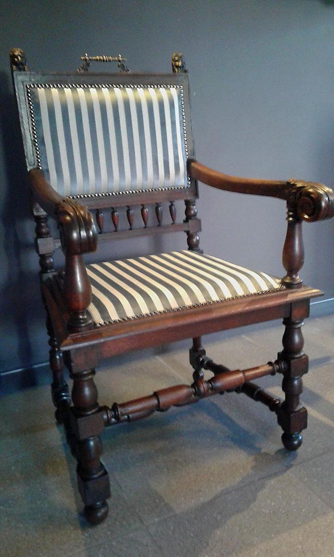 antieke stoel Stoffering Zetel Limpens-Verstuyft Borsbeke Wim Limpens