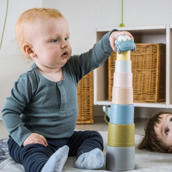 Spielzeug, BIO Spielzeug, Biospielzeug, Bio, Zuckerrohr, Dantoy, Nachhaltig, Nachhaltiges Spielzeug; Stapelbecher, Stapelturm, ökologisch