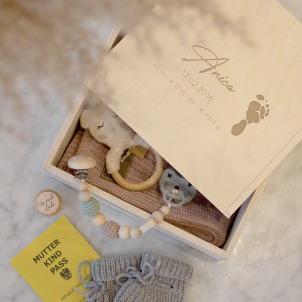Holzkiste Erinnerungsbox Medium, Erinnerungskiste, Geschenkkiste, Holzkiste,Geschenkset, baby, Babybox,, Geschenk zur geburt, Geschenk zur Taufe, Newborn, Kuscheldecke, Babyhaube