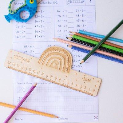 Schulkind, Stofftiger, Holzlineal, Lineal mit Gravur, Schulbeginn, Einschulung, Geschenkidee, Geschenk zur Einschulung