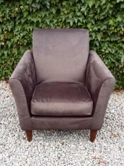 Velvet_armchair
