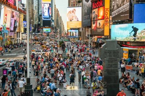 {092} La foule de Time Square