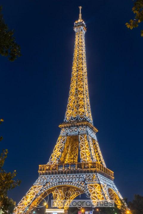 {198} Tour Eiffel nuit