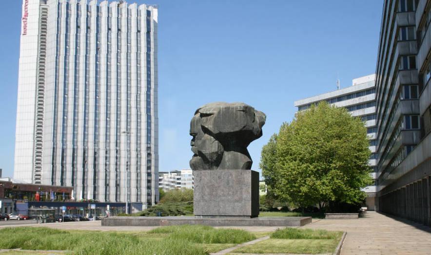 stone stories sozialistische monumentale stone. Black Bedroom Furniture Sets. Home Design Ideas