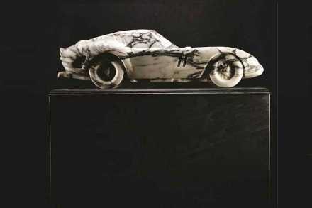 Lapicida: 250 GTO Ferrari en mármol Arabescato.