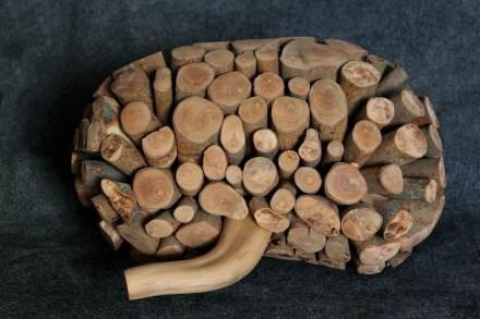 """Beatriz Cunha: """"Niere"""", Holz."""