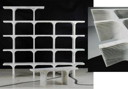 """""""Solid Senses"""", Paolo Ulian: """"Comb"""" (Calacatta marmo, 120x42x31 cm, 60 kg). I singoli elementi potrebbero servire come panchine da seduta o essere assemblate come scaffale. Il profilo sui loro lati riduce il peso. Foto: Enrico Amici"""