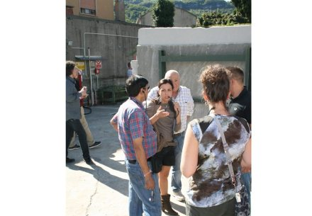 Un gruppo di architetti internazionali visitando la Valle del Chiampo (2011).