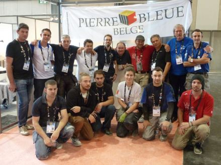 Participating stonemasons together with their mentors. Photo: EuroSkills