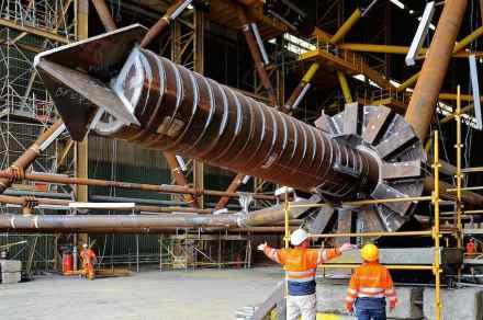 Pillar of a wind-driven electric generator. The rod facilitates driving the pillar into the ground. Photo: Doti / Matthias Ibeler