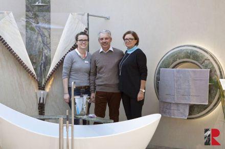 Steinmetz-Familie Hirschberger aus Geretsried, die Designer und Ausführenden der Badezimmer-Idee.