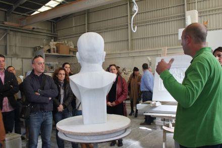 Marmoturismo en la región de Macael: Presentación de un taller de escultura.