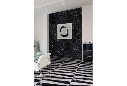 Levantina: Negro Canfranc marble.