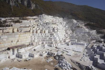 Stone Group International: Birros SA quarry.