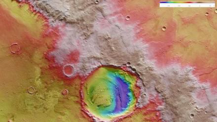 Die letzte Hürde für Mark Watney: der Rand des Kraters Schiaparelli. Leider fehlt die Rakete - dumm gelaufen, also. Bild: DLR