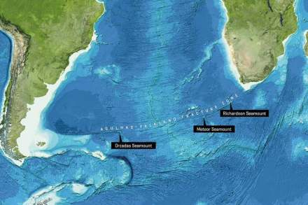 The new study reveals that the Richardson Seamount, the Meteor Seamount and the Orcadas Seamount once formed one volcanic island. Image reproduced from the GEBCO world map 2014, www.gebco.net.