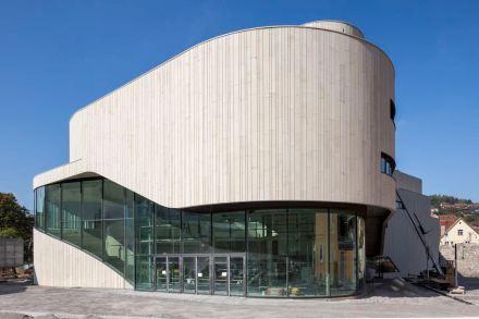 First prize went to the Jehle Architektur / Mitiska Wägerarchitekten for the Montforthaus in Feldkirch.