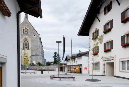 2. Preis: Gsottbauer architektur.werkstatt: Dorfplatz Stans.