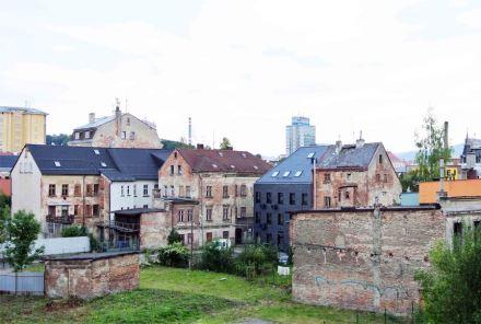 Št'astný Pavel Architekt: Centrum vlasty buriana, Liberec.