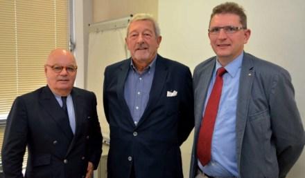 Auf der Generalversammlung von SNROC. Links: Pierre Brousse. Foto: Claude Gargi, Zeitschrift Pierre Actual.