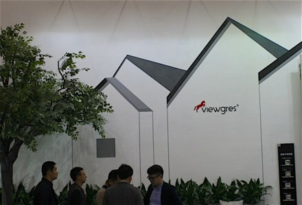 "<a href=""http://www.viewgres.com/""target=""_blank"">Viewgres</a> (Keramik)."
