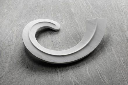 "Cynthia Sah: ""Spiralis"", Carrara white marble, 95 x 63 x 19 cm, 2016. Photo: Q. Bertoux"