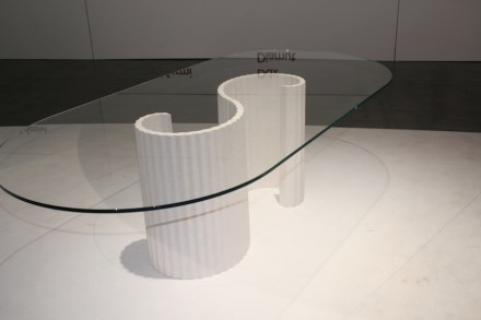 "Table ""Flexo"", Design: Raffaello Galiotto; Company: Margraf; Machine: Pellegrini Meccanica; Material: Bianco Siberia by Margraf. Photo: Peter Becker"