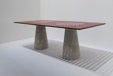 """""""Oasi""""; Design: Odo Fioravanti; Company: Grassi Pietre; Material: Pietra di Vicenza – Grigio Alpi."""