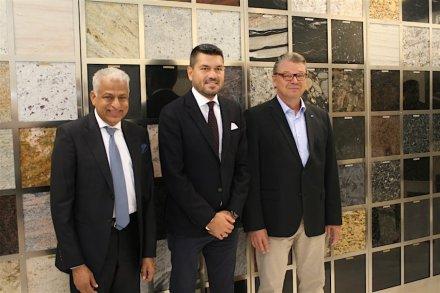 Wonasas neue Führungsmannschaft: in der Mitte Präsident Ali Sayakci, daneben die Vizepräsidenten Sunil Arora (links) und Heikki Palin (rechts).