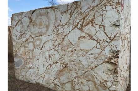 """""""Roma Imperiali"""", super exotic granite by Vulcano Export company."""