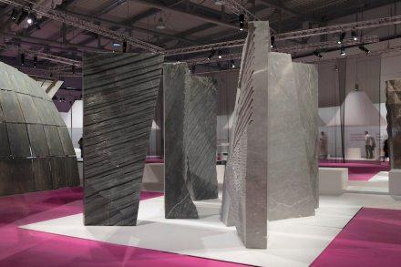 """""""Walls"""". Studio: Alper Derinbogaz; company: Garfagnana Innovazione; material: Bardiglio Vagli, Bardiglio imperiale Orto di Donna, Grigio Argentato."""