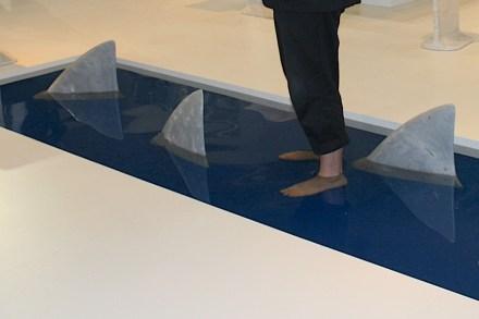 Marmor-Türstopper von James Irvine für die italienische Firma Marsotto Edizioni (2011). Foto: Peter Becker
