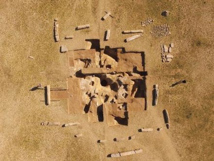 Drone aerial shot of the ancient Turkish ruins on Dongoin shiree. (North at the top.) Segments of the inscriptions and sarcophagus excavated from the hole at the center of the ruins can be seen.