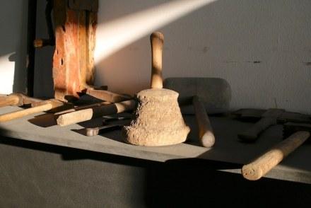 Die Werkzeuge der Steinhandwerker haben eine lange Tradition.