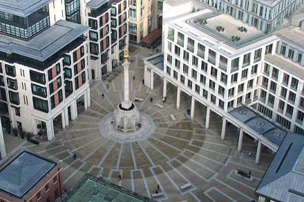 Paternoster Square, seen from St Paul's Cathedral. Photo: Benjamin D. Esham / Wikimedia Commons