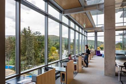 Bohlin Cywinski Jackson: Williams College, Sawyer Library. Foto: Nicolas Snyder