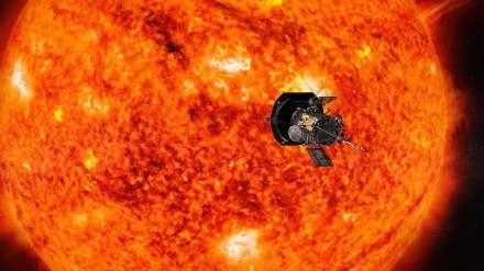 Künstlerische Darstellung der Sonde vor der Sonne, noch in riesiger Entfernung. Der Stern hat einen Durchmesser von etwa 1,4 Millionen km, die Sonde hat etwa die Größe eines Autos. Quelle: NASA/Johns Hopkins APL