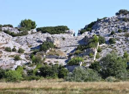 Ruinen der ehemals gewaltigen Anlage von Barbegal, Foto aus dem Jahr 2018. Foto: Robert Fabre, Saint Etienne du Grès, Frankreich
