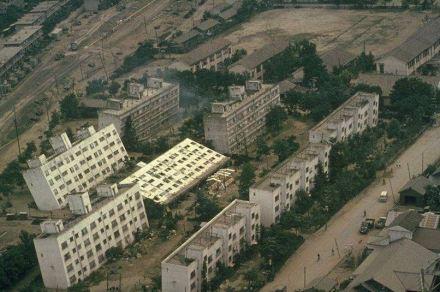 Niigata Earthquake, 1964. Source: Japan National Committee on Earthquake Engineering, Proceedings of the 3rd World Conference in Earthquake Engineering / Wikimedia Commons