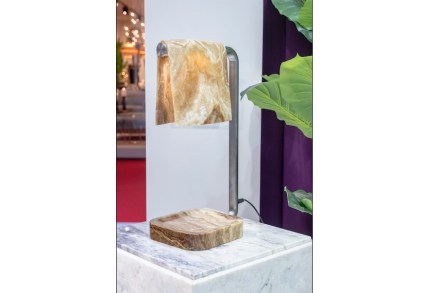 "<a href="" https://www.aatc.it/""target=""_blank""> A.A.T.C.</a>: ""Karim in Marble"" (Tischlampe). Design: Karim Rashid."