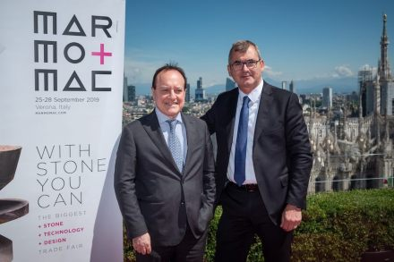 Giovanni Mantovani (CEO of Veronafiere, left), Maurizio Danese (President of Veronafiere, right).