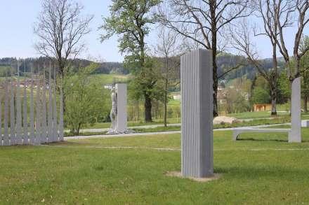 "A glance along the course ""Eine Million Gramm Granit"" (""One Million Grams of Granite"")."