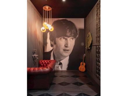 Giacobazi: John Lennon.