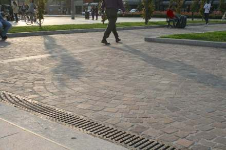 ... sawn cobblestones are made after classical paving for the modern society; ...