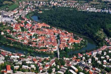 "Novo Mesto. Photo: Marko Pirc / <a href=""https://commons.wikimedia.org/""target=""_blank"">Wikimedia Commons</a>"