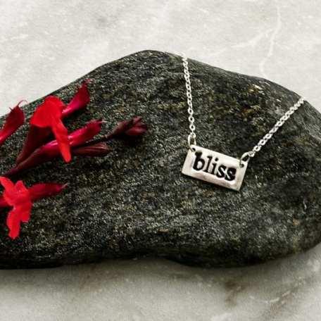 EK01125 Bliss Necklace Lifestyle 2