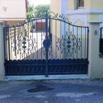 Joli portail en métal Alsace